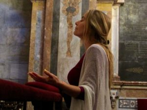 Estaryia in Chapel in Cathedral 3 sm
